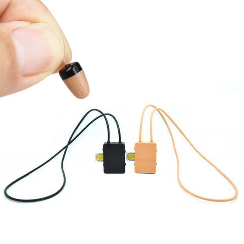 Cutie GSM cu casca japoneza